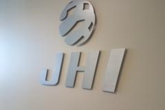Brushee aluminium 3D logo JHI