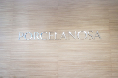 Polished-aluminium-3D-cut-letters-PORCELANOSA
