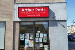 Sign box Arthur Potts