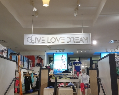 Lobby Sign Live Love Dream